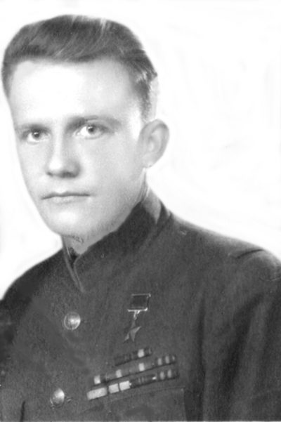 Шелаев Антон Стефанович                   старшина                          Герой Советского Союза